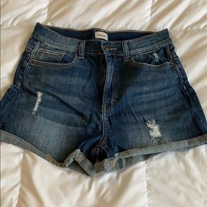 Sneak Peek Shorts - High waisted Jean shorts